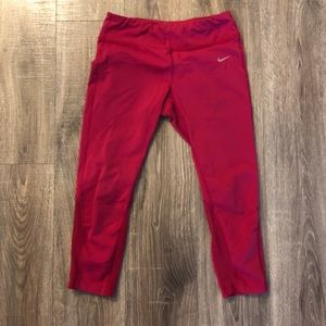 Nike women's workout cropped leggings